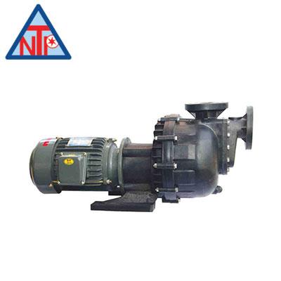 Bơm hóa chất NTP 1HP USP240-11.1 205